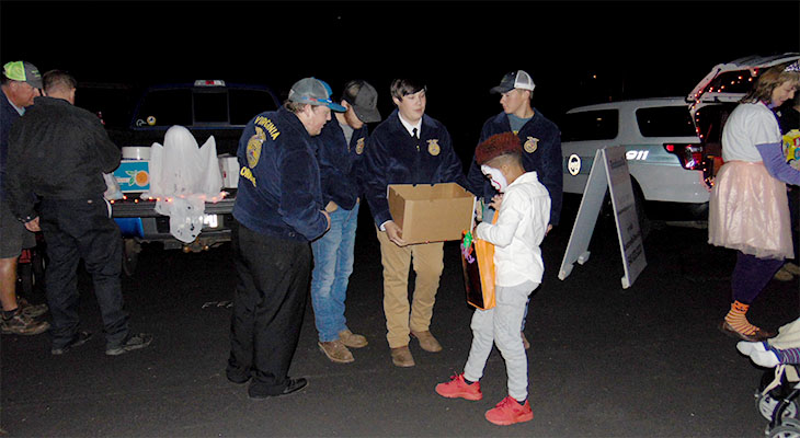 Orange County FFA Assists Trunk or Treat Program at Local Church